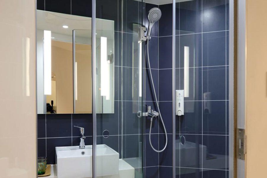 Jak skutecznie wyczyścić kabinę prysznicową