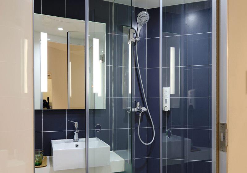 czym_usunac_kamien_z_kabiny_prysznicowej