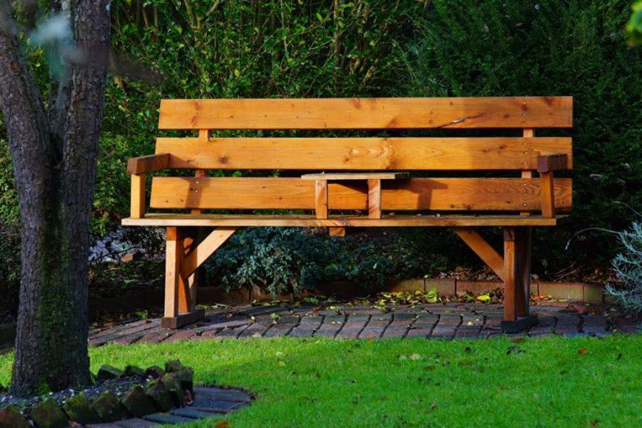 Jak chronić podłoże drewniane przed wilgocią?