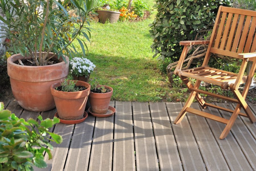 Jak dbać o drewno w ogrodzie